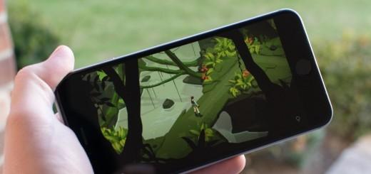 lara-croft-go-iphone6s-plus-hero